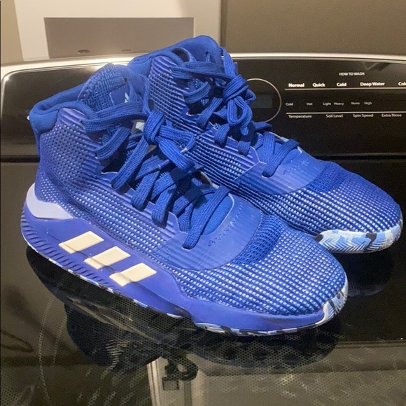 Adidas Pro Bounce Basketball Shoes